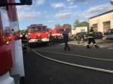Hasiči vyjížděli k požáru dřevní štěpky v Bezděkově pod Třemšínem (24)