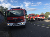Hasiči vyjížděli k požáru dřevní štěpky v Bezděkově pod Třemšínem (2)