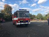 Hasiči vyjížděli k požáru dřevní štěpky v Bezděkově pod Třemšínem (29)