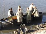 V Novém rybníce plavalo zhruba 7 metráků lína obecného (18)
