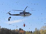 Hasiči cvičili likvidaci požáru se závěsným bambivakem (6)