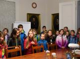 Děti ve starostenském křesle ()