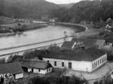 Orlická přehrada vzala domov tisícům lidí. Ti se nemohli bránit, a tak jen čekali (11)