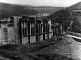 Orlická přehrada vzala domov tisícům lidí. Ti se nemohli bránit, a tak jen čekali (8)