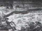 Orlická přehrada vzala domov tisícům lidí. Ti se nemohli bránit, a tak jen čekali (4)
