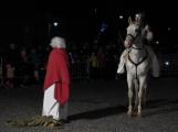 Svatý Martin dorazil do Příbrami. Děti dostaly hromadu sněhu (4)