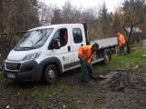 Zbytky zahradních domků u Čekalíkovského rybníka padly dnes k zemi (1)