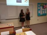 Miss sestřička: Studentky druhého ročníku zdravotnické školy přivezly do Příbrami čtvrté místo (2)
