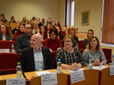 Miss sestřička: Studentky druhého ročníku zdravotnické školy přivezly do Příbrami čtvrté místo (4)