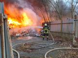 Požár v Sedlčanech napáchal škodu za dva miliony. Příčinou zahoření bylo samovznícení ()
