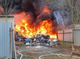 Požár v Sedlčanech napáchal škodu za dva miliony. Příčinou zahoření bylo samovznícení (11)
