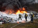 Požár v Sedlčanech napáchal škodu za dva miliony. Příčinou zahoření bylo samovznícení (2)