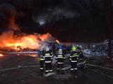 Požár v Sedlčanech napáchal škodu za dva miliony. Příčinou zahoření bylo samovznícení (8)
