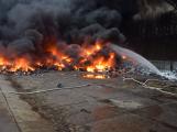 Požár v Sedlčanech napáchal škodu za dva miliony. Příčinou zahoření bylo samovznícení (19)