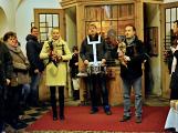 Dudy doprovodily sborový zpěv v kostele (41)