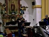 Dudy doprovodily sborový zpěv v kostele (36)