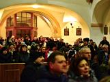 Dudy doprovodily sborový zpěv v kostele (34)