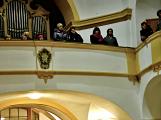 Dudy doprovodily sborový zpěv v kostele (32)