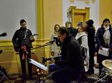 Dudy doprovodily sborový zpěv v kostele (44)