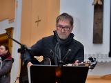 Dudy doprovodily sborový zpěv v kostele (55)