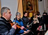 Dudy doprovodily sborový zpěv v kostele (52)