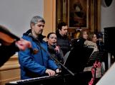 Dudy doprovodily sborový zpěv v kostele (46)