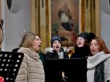 Dudy doprovodily sborový zpěv v kostele (10)