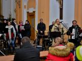 Dudy doprovodily sborový zpěv v kostele (5)