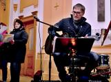 Dudy doprovodily sborový zpěv v kostele (25)