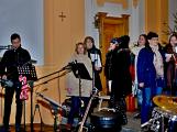 Dudy doprovodily sborový zpěv v kostele (19)