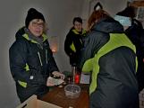 Stovky lidí vystoupaly první den roku na vrchol Třemšína (41)