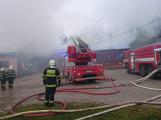 Plameny pohltily budovu restaurace v kempu u Věšína, hasiči vyhlásili druhý stupeň poplachu (25)
