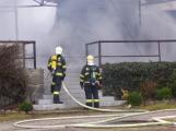 Plameny pohltily budovu restaurace v kempu u Věšína, hasiči vyhlásili druhý stupeň poplachu (31)