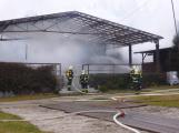 Plameny pohltily budovu restaurace v kempu u Věšína, hasiči vyhlásili druhý stupeň poplachu (32)
