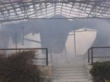 Plameny pohltily budovu restaurace v kempu u Věšína, hasiči vyhlásili druhý stupeň poplachu (35)