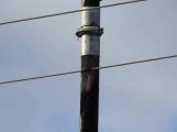 Vozidlo na čerpání betonu zasáhlo o elektrické vedení, hasiči povolali energetiky (4)