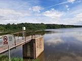 Okolí Padrťských rybníků v posledních týdnech doslova zmodralo (6)