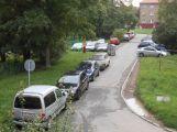 Parkování v okolí ulice 28. října připomíná hru Tetris, blokové čištění se odsouvá (AKTUALIZOVÁNO) ()