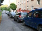 Parkování v okolí ulice 28. října připomíná hru Tetris, blokové čištění se odsouvá (AKTUALIZOVÁNO) (2)