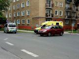 Jela rodit do nemocnice, po cestě do nich narazilo auto (1)
