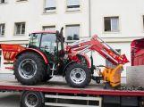 Technické služby mají nový traktor, pomůže na kompostárně i se zimní údržbou (1)