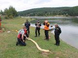 Hasiči a záchranáři cvičili na Orlické přehradě (1)