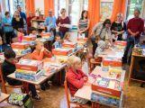 Prvňáčci poprvé zasedli do školních lavic (1)