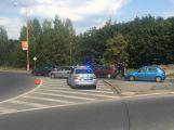 Dopravu v Příbrami komplikuje nehoda na kruhovém objezdu (1)