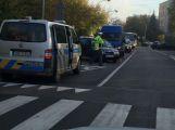 Nehoda komplikuje provoz ve Školní ulici (1)
