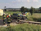 Další nehoda u Březnice. Na železničním přejezdu se srazil vůz s lokomotivou ()