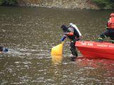 Hasiči zachraňovali tonoucí posádku z převrácené lodi, naštěstí jen cvičně (3)
