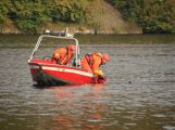 Hasiči zachraňovali tonoucí posádku z převrácené lodi, naštěstí jen cvičně (4)