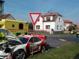V Březnici se srazil závodní vůz s osobním (4)