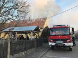 Právě teď: Hasiči zasahují u požáru domu ve Zvíroticích (PRŮBĚŽNĚ AKTUALIZOVÁNO) (8)